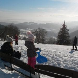 narciarskie stoki w sokolcu i panorama gor